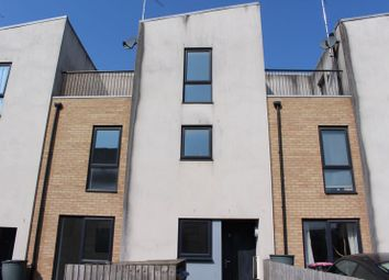 3 bed town house to rent in West Craven Street, Salford M5