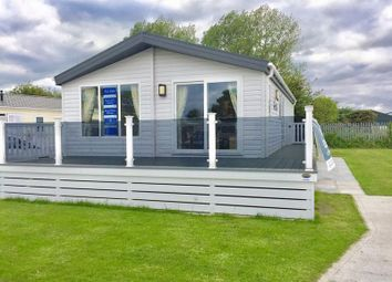 Thumbnail 2 bed mobile/park home for sale in Sunnydale Holiday Park, Sea Lane, Louth