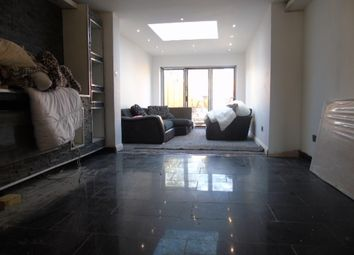 Thumbnail 3 bed terraced house to rent in Chiltern Gardens, Waller Avenue, Luton