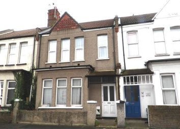 Thumbnail 2 bedroom flat for sale in Beresford Road, Southend-On-Sea