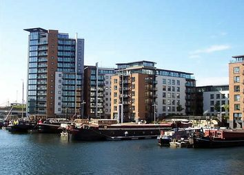 Thumbnail 3 bedroom flat to rent in Boardwalk Place, Docklands