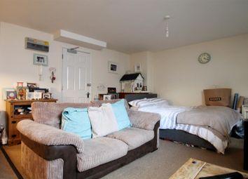 Thumbnail Studio to rent in Warwick Yard, 20 Bedford Row, Worthing