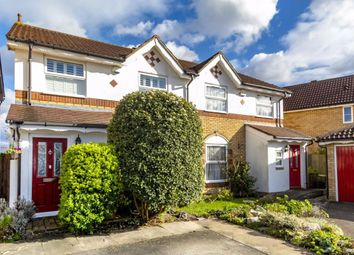 3 bed property for sale in Hadleigh Close, London SW20