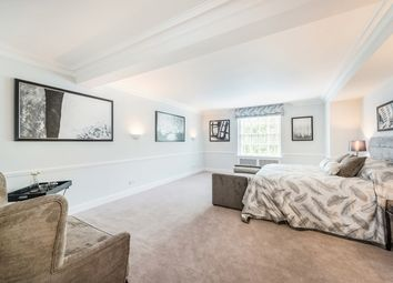 Thumbnail 5 bed flat to rent in Lowndes Square, Knightsbridge, London