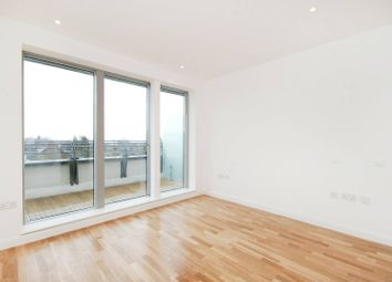 2 bed flat to rent in Fortune Green Road, West Hampstead NW6