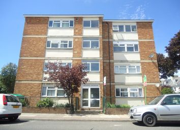 Thumbnail 1 bed flat to rent in Lawrence Road, Southsea