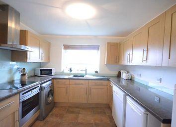 Thumbnail 2 bed flat to rent in Piggotts Road, Caversham, Reading