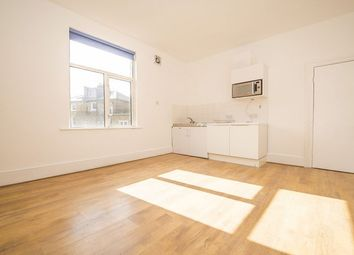 Thumbnail Studio to rent in Corinne Road, London