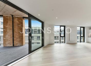 Thumbnail 3 bedroom flat to rent in Masthead House, Royal Wharf