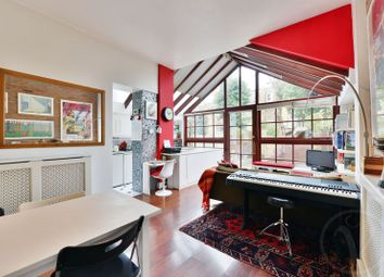 Thumbnail 2 bed flat for sale in Milton Avenue, Highgate, London