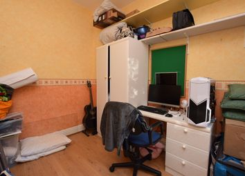 Thumbnail Room to rent in Wood Terrace, Huddersfield