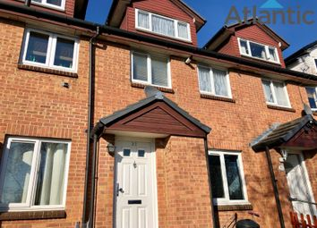 2 bed maisonette to rent in Amanda Close, Chigwell IG7