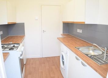 Thumbnail 4 bed flat to rent in Granville Place, High Rd, North Finchley, London
