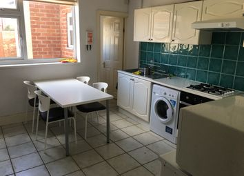 Thumbnail 5 bedroom terraced house to rent in Queensland Avenue, Chapelfields, Coventry