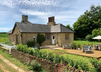 Thumbnail 3 bed cottage to rent in Chipping Norton, North Oxfordshire