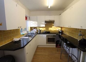 4 bed property to rent in Haynt Walk, London SW20