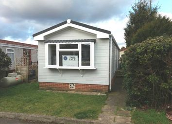 Thumbnail 1 bed mobile/park home for sale in Middleview Drive, Surrey Hills Park, Normandy, Guildford
