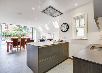 Thumbnail 7 bed terraced house to rent in Quarrendon Street, Parsons Green/Fulham, London