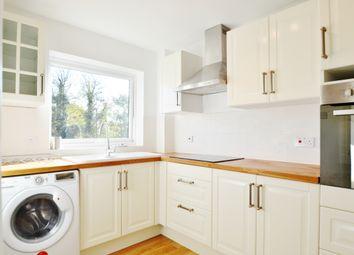 Thumbnail 2 bed flat to rent in Lyonsdown Road, Barnet