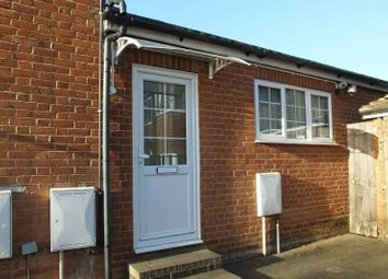 3 bed maisonette to rent in East Hill, Maybury, Woking GU22