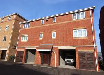 Thumbnail 1 bedroom flat for sale in Holmes Court, Fenners Marsh, Gravesend