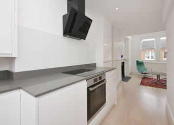 2 bed maisonette for sale in Hormead Road, London W9