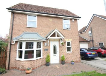 Thumbnail 4 bed property for sale in Chapel Fields, Coniston, Hull