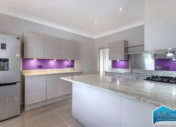 Thumbnail 3 bedroom flat to rent in Aylmer Road, East Finchley, London