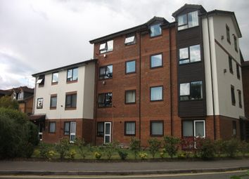 1 bed flat to rent in Gresham Road, Staines TW18