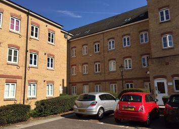1 bed flat to rent in Kidman Close, Romford RM2
