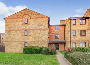 Thumbnail 1 bed flat to rent in Pioneer Way, Watford