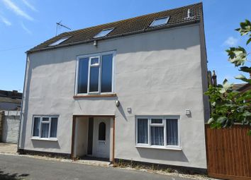 3 bed detached house to rent in Cross Keys, Lowestoft NR32