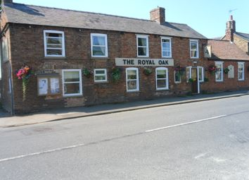 Thumbnail Pub/bar for sale in High Street, Lincolnshire: Martin