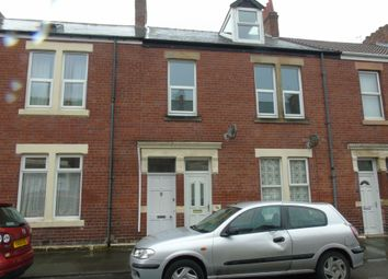 Thumbnail 4 bed maisonette to rent in Chirton West View, North Shields