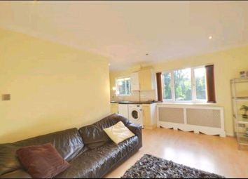 Thumbnail 1 bed flat to rent in The Avenue, Northwood, Middlesex
