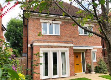 Aylesbury Road, Thame, Oxfordshire OX9. 4 bed detached house
