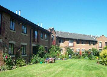 Thumbnail 2 bed flat to rent in Hallfield Court, Freemans Way, Wetherby