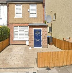 3 bed semi-detached house to rent in Tottenhall Road, London N13