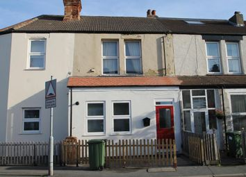 Thumbnail 2 bed flat to rent in Church Road, Bexleyheath