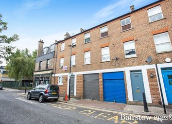 Thumbnail 2 bed flat to rent in Chilton Street, Shoreditch, London