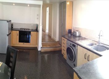 3 bed end terrace house to rent in North Road East, Plymouth PL4