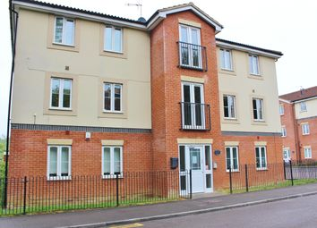 Thumbnail 2 bedroom flat to rent in Redcliffe Street, Swindon