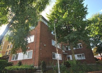 Thumbnail 2 bed flat to rent in Waverley Road, Crouch End
