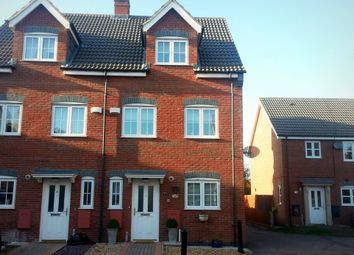Thumbnail 4 bed town house to rent in Bruce Close, Spalding