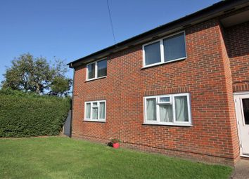 Thumbnail 2 bed flat to rent in Brays Meadow, Hyde Heath, Amersham