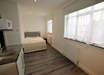 Thumbnail 1 bed flat to rent in Aintree Crescent, Ilford
