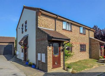 Thumbnail 1 bed flat for sale in Suffolk Avenue, Leigh-On-Sea