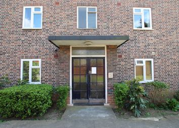 Thumbnail 2 bed flat to rent in Granville Place, High Road, North Finchley