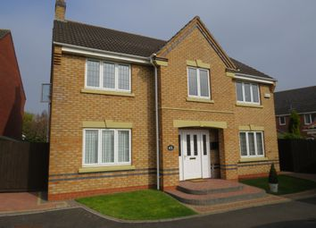 Thumbnail 4 bedroom detached house for sale in Kingfisher Close, Brownhills, Walsall