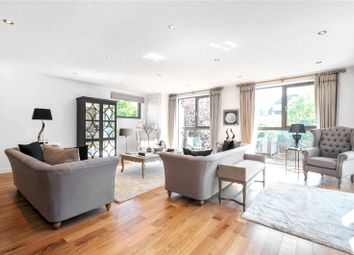 Thumbnail 2 bed flat for sale in Gateway House, Regents Park Road, London